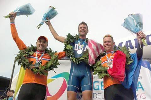 Gijs Geerards op het podium (links) van de World Transplant Games