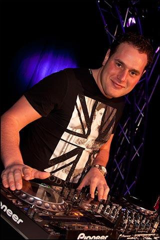 DJ Nelis